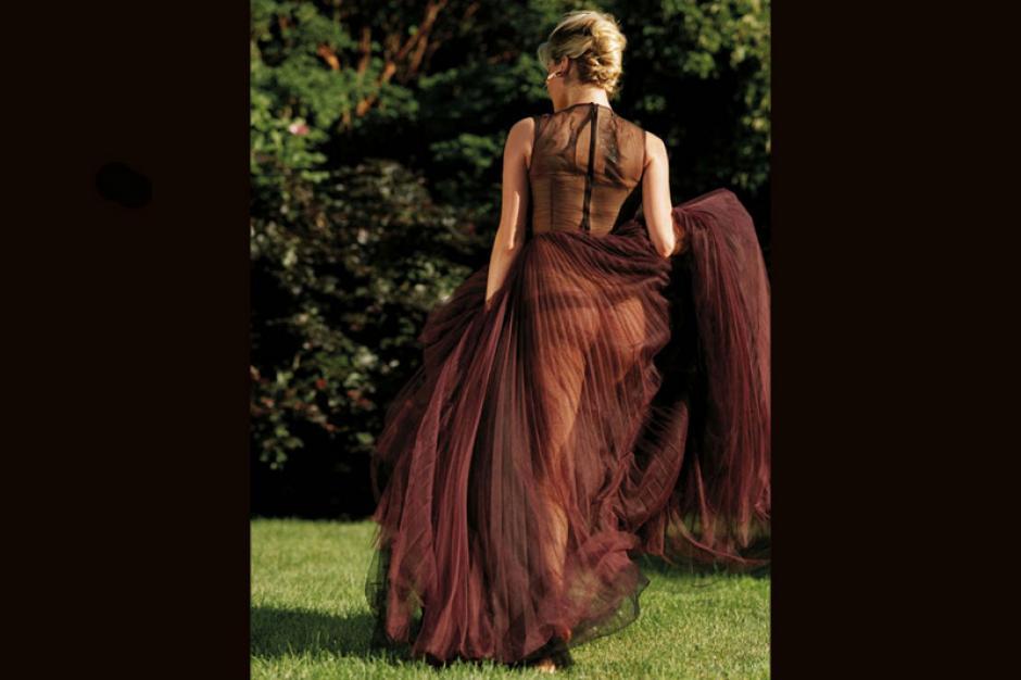 La hermosa Kate Upton se dejó llevar por un lindo vestido transparente y causó furor en las redes. (Foto: Kate Upton)