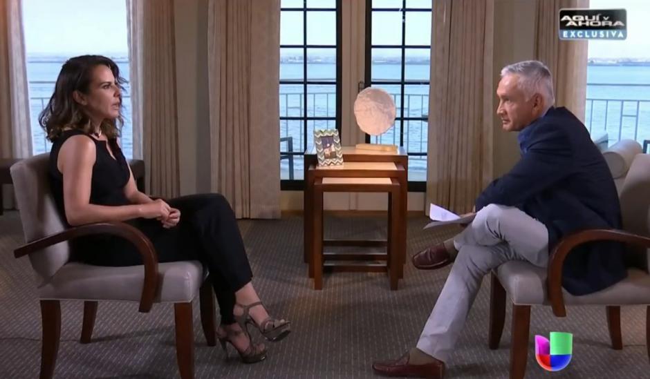 Jorge Ramos de Univisión entrevistó a Kate del Castillo. (Foto: Univisión)