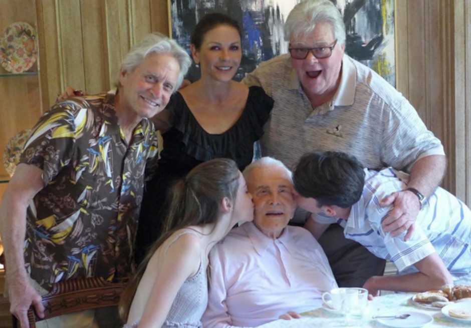 La actriz publicó junto a su familia. (Foto: Catherine Zeta Jones)