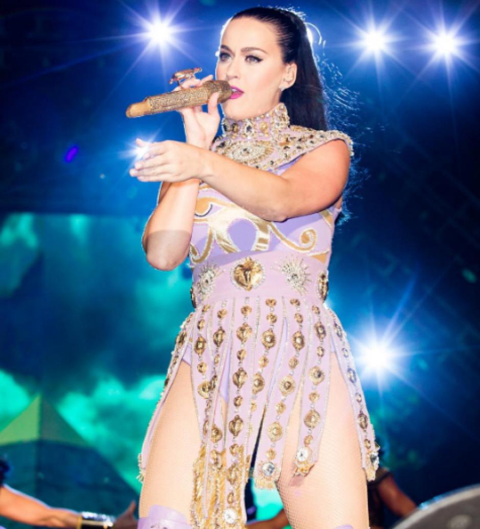 La popular cantante siempre emociona a sus fanáticos. (Foto: corrientealterna.net