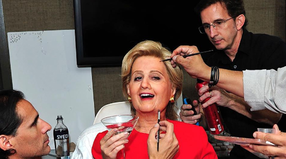 Katy Perry lució como Hillary Clinton. (Foto: Emol)