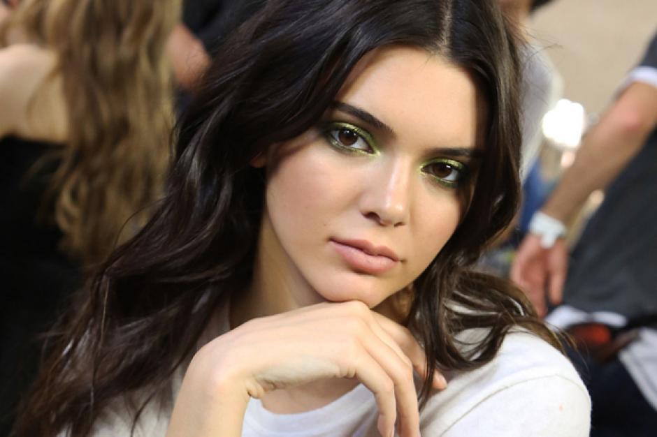 Jenner es una de las modelos más solicitadas en las pasarelas. (Foto: Celebuzz)