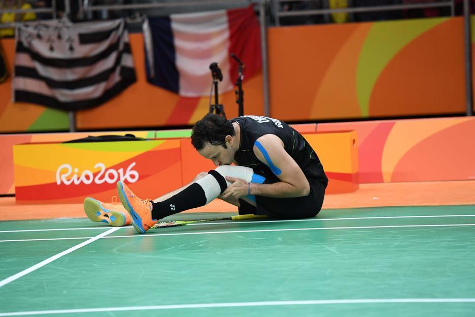 La rodilla fue la que volvió a darle molestias a Kevin. (Foto: Sergio Muñoz/Enviado ACD)