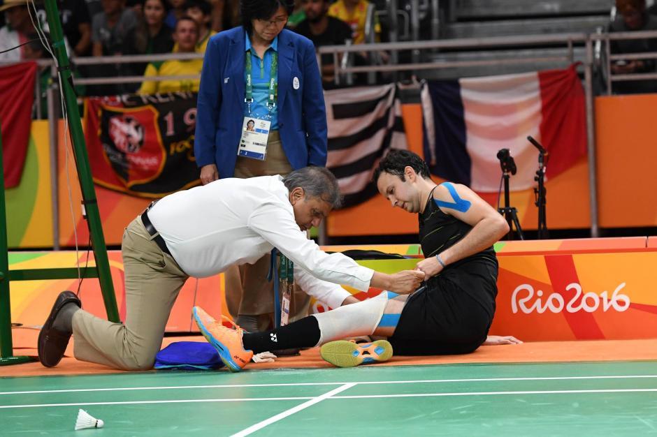 Los médicos intentaron sin lograrlo recuperar a Kevin. (Foto: Sergio Muñoz/Enviado ACD)