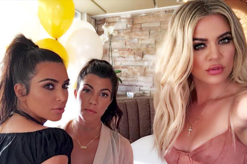 Khloé publicó un Snapchat donde aparece su hermana en una posición comprometedora. (Foto: Instagram)