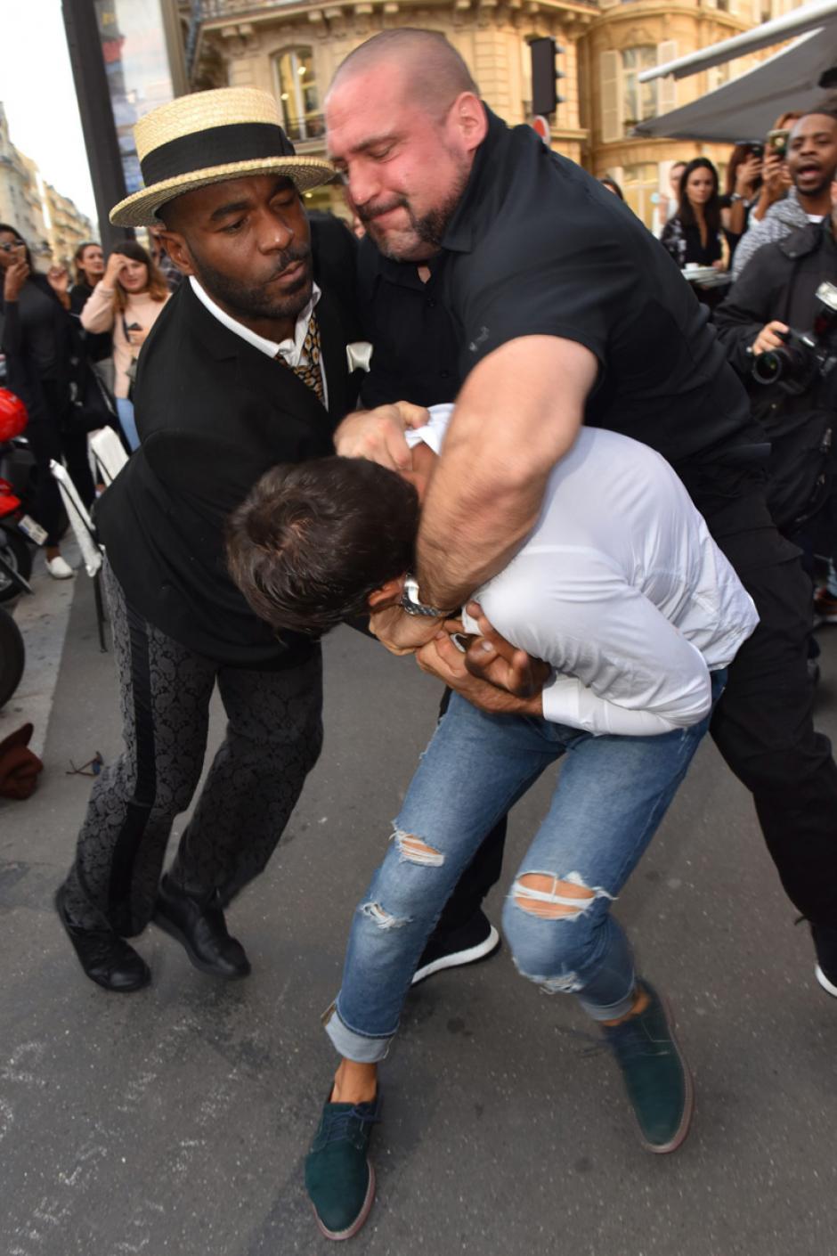 El guardaespaldas de Kardashian sometió al atacante. (Foto: smoda.elpais.com)