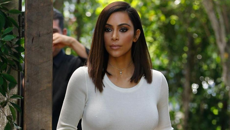 la celebridad dijo a ET que podría hacer una selfie desnuda si baja de peso. (Foto: ET)