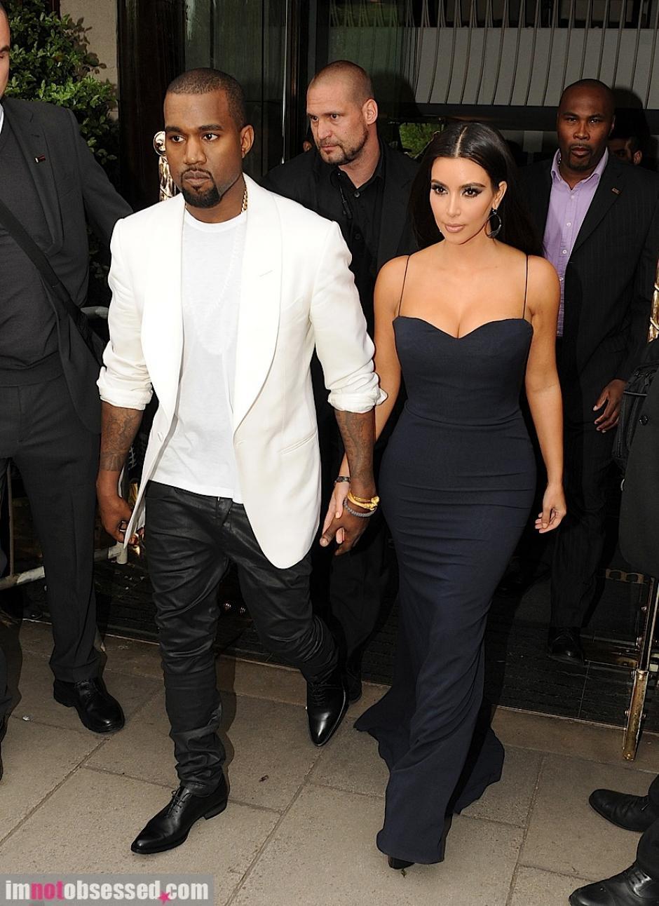 Kanye fue internado en una clínica por un ataque nervioso y Kim lo está apoyando pero luego se separaría. (Foto: Google)