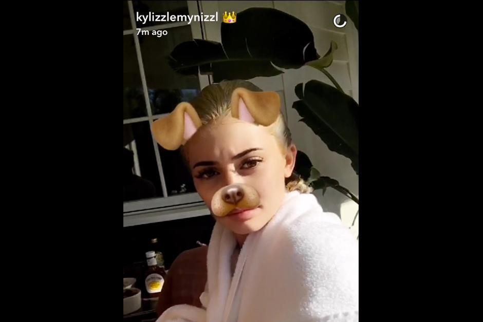 Kylie subió el proceso del cambio de look en su Snapchat. (Foto: Snapchat)