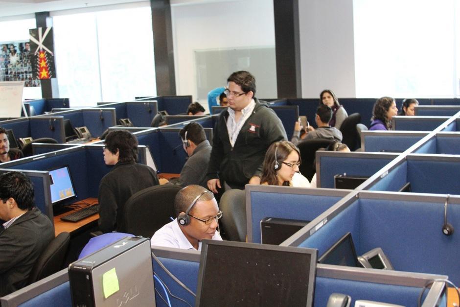 """Los llamados """"call center"""" generaron 3 mil nuevas plazas de trabajo en 2013."""