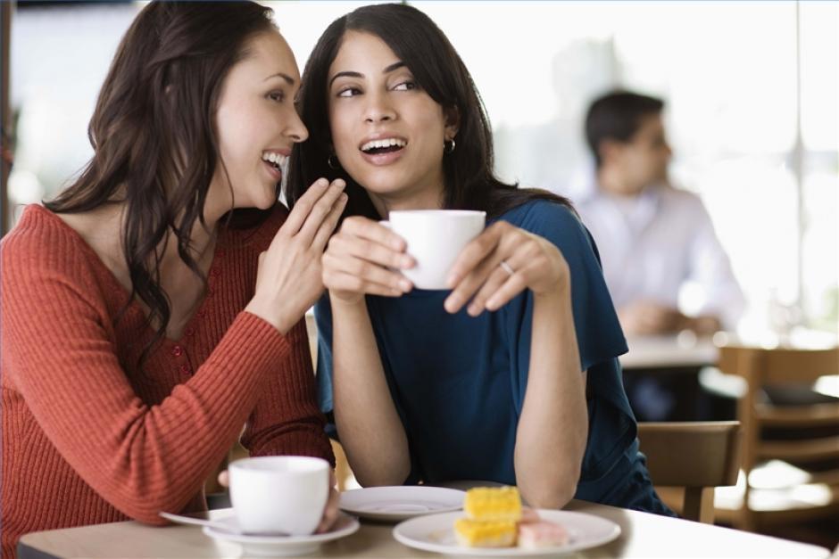 Hablar mal de las personas.(Foto: ehowenespanol.com)