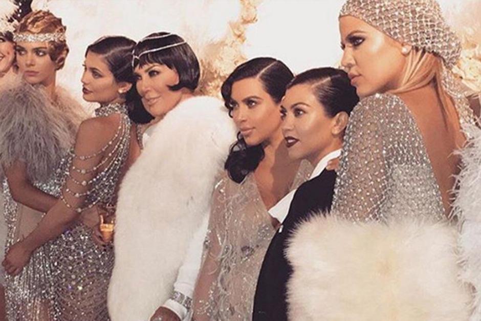 Kris Jenner junto a sus famosas hijas.