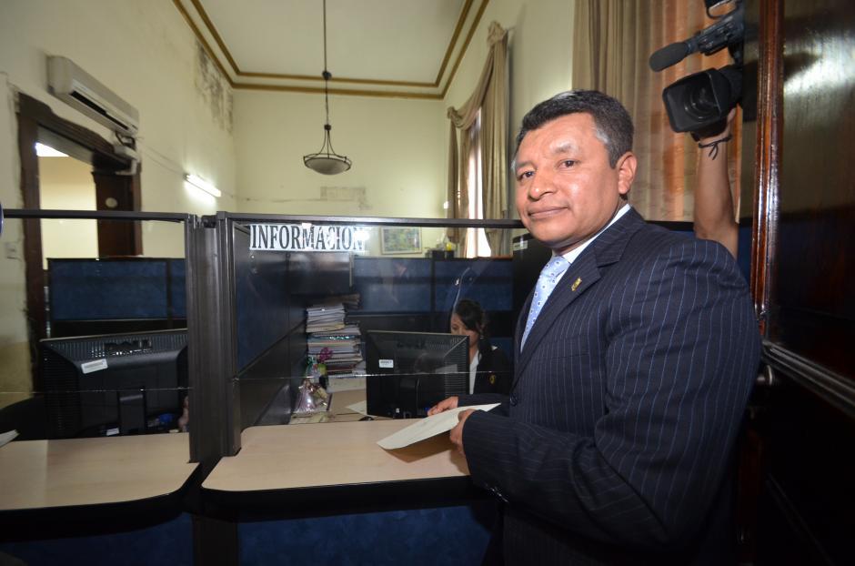El diputado presentó su renuncia al partido Lider en Dirección Legislativa del Congreso este martes por la mañana. (Foto Cortesía de José Castro)