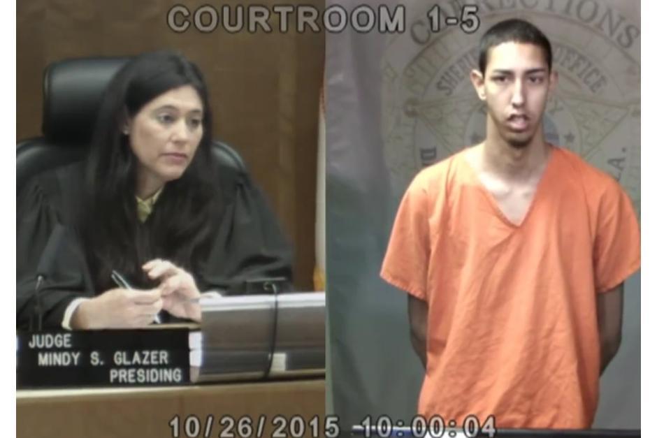 "Peter ""La Anguila"" frente a la juez.(Foto: YouTube)"