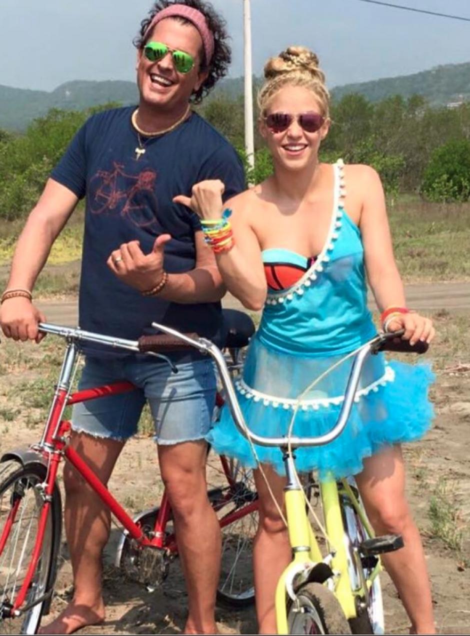 """Los artistas se encuentran grabando el video de su tema """"La Bicicleta"""". (Foto: Carlos Vives/Facebook)"""