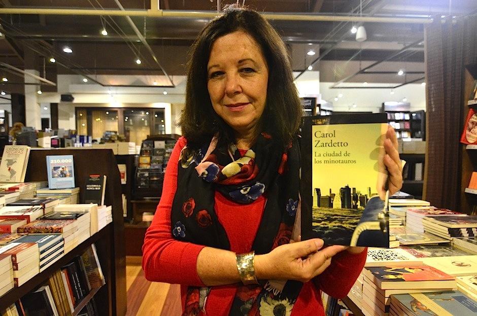 La escritora guatemalteca, Carol Zardetto, es la autora. (Foto: Selene Mejía/Soy502)