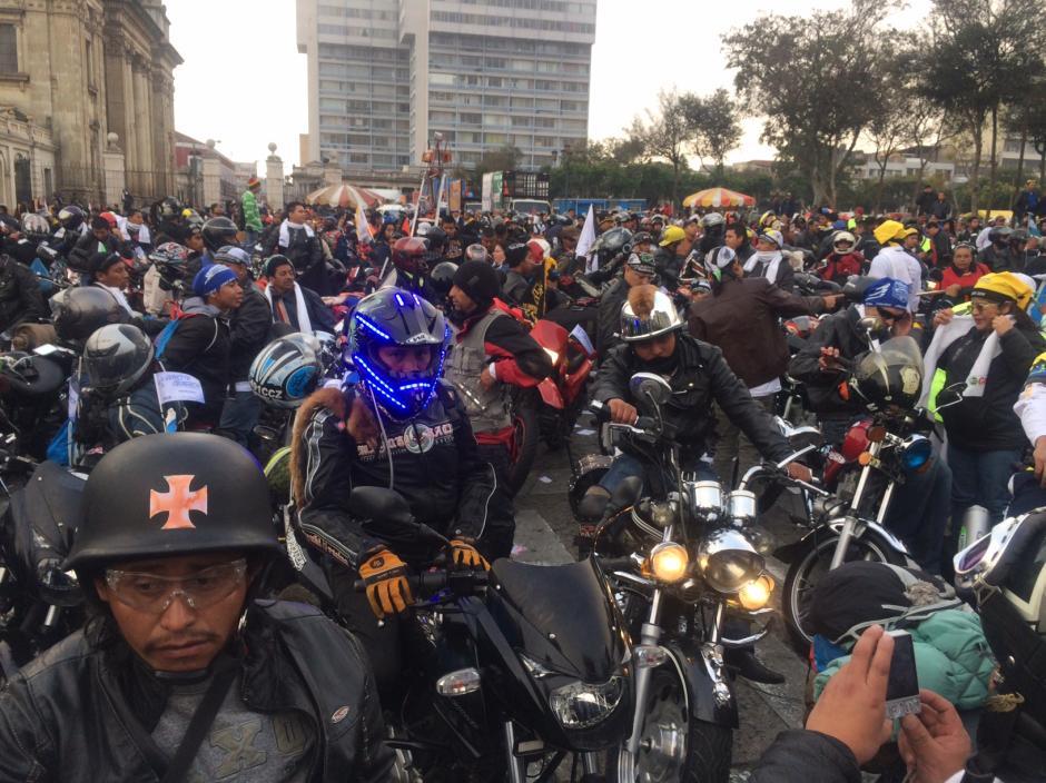 Los organizadores calculan que este año cerca de 8 mil motoristas conforman la Caravana del Zorro.(Foto: Luis Barrios/Soy502)