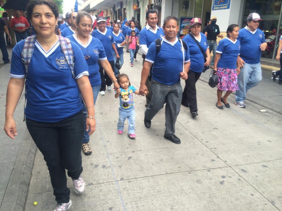 Varios niños acompañaron a sus padres participantes en la marcha. (Foto: Luis Barrios/Soy502)