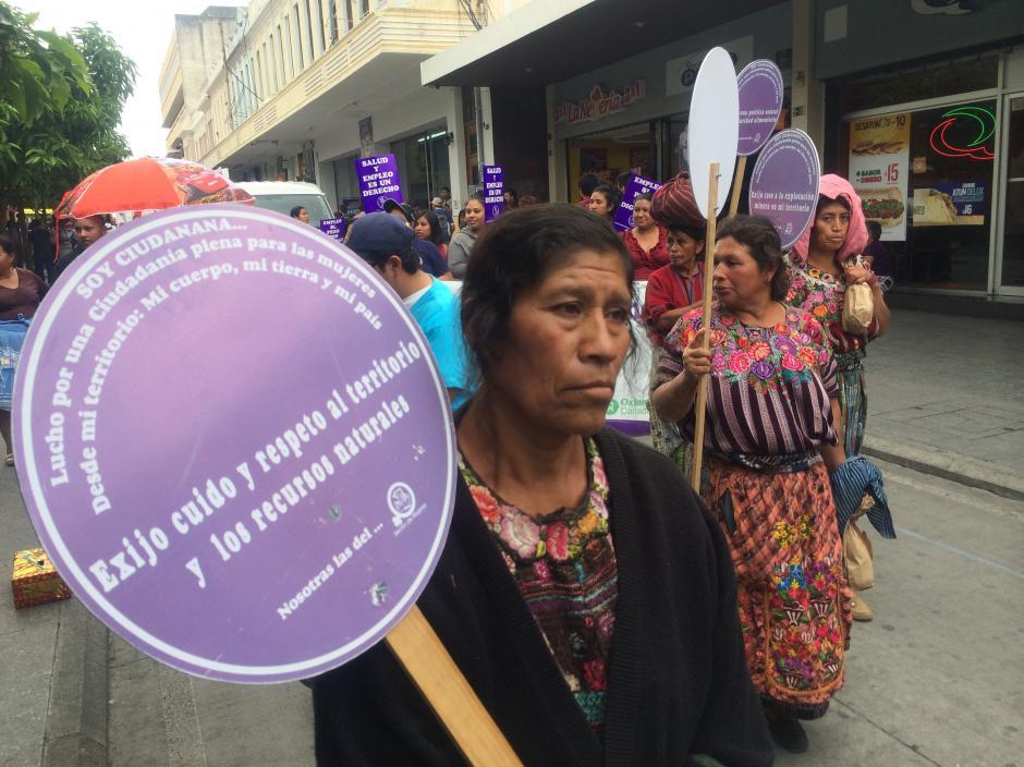 Diversos sectores se hicieron presentes en la conmemoración del 1 de mayo, sin faltar los grupos étnicos quienes exigen principalmente el cuidado a los recursos naturales. (Foto: Luis Barrios/Soy502)