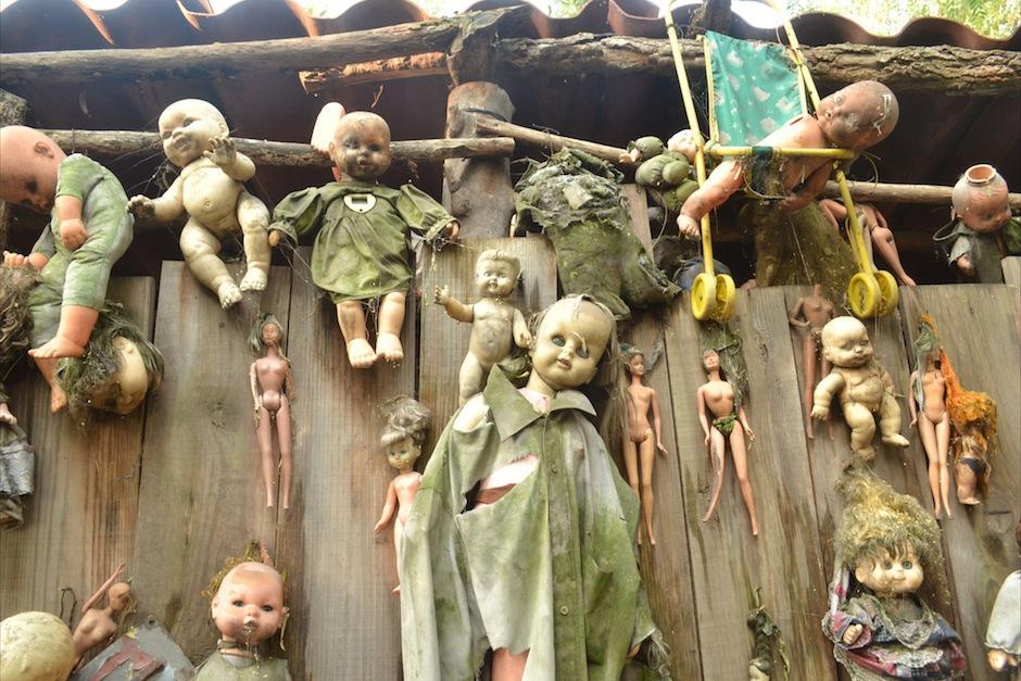"""En Xochimilco México, existe la """"Isla de las Muñecas"""". (Foto: taringa.net)"""