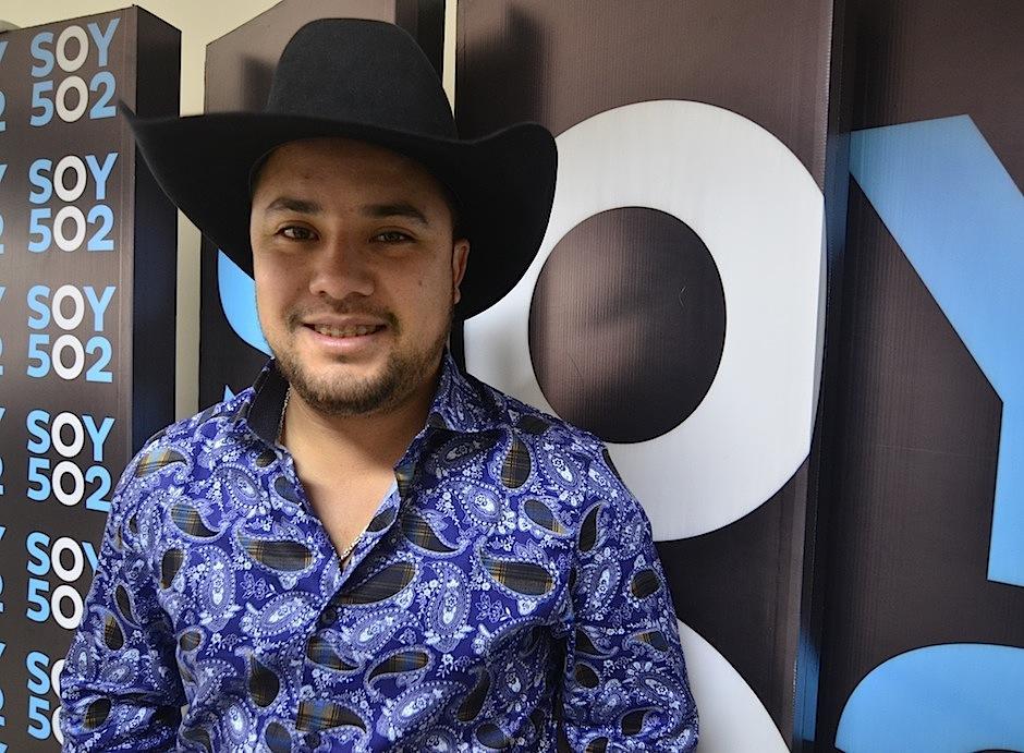 """Tony Nieto invita a los guatemaltecos a escuchar """"Generación Norteña"""". (Foto: Selene Mejía/Soy502)"""