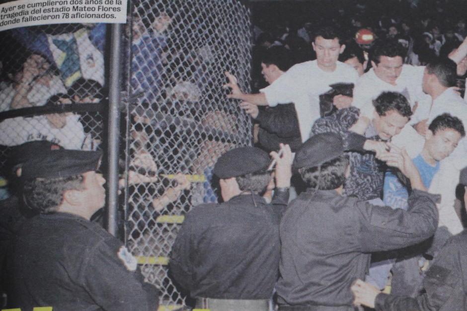El 16 de octubre de 1996 fue la tragedia en la cual 84 personas perdieron la vida en el Mateo Flores. (Foto: Archivo/Hemeroteca Nacional Prensa Libre)