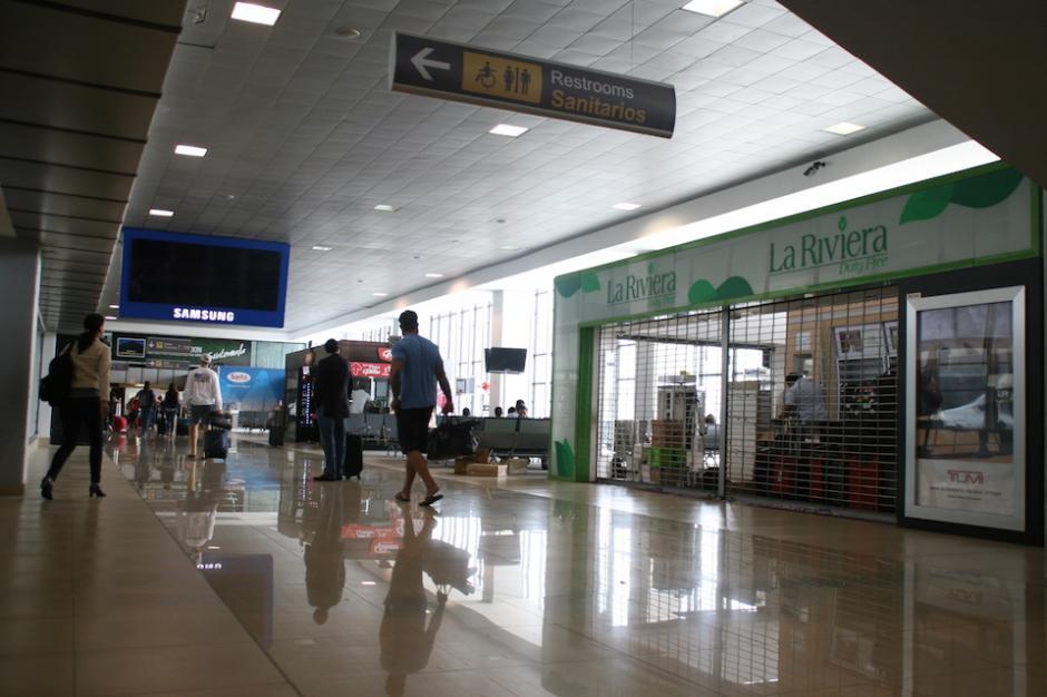 """El exjefe de la SAT, Rudy Villeda fue quien autorizó que la empresa Tiendas Libres, S.A. diera el permiso de operar como """"duty free"""" en el país. (Foto: Archivo)"""