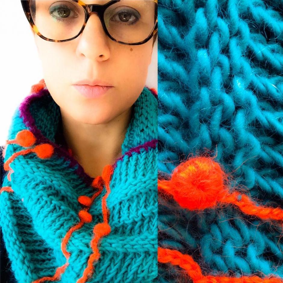 Las bufandas perfectas para este clima están hechas por María Amado. (Foto: la Tiendita)