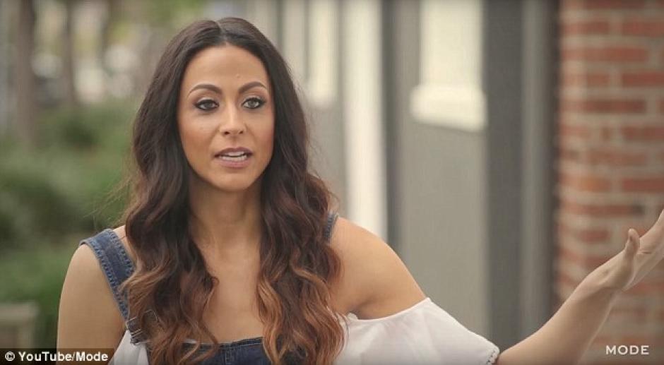 Alicia dice que conocer a otras mujeres altas le ha ayudado. (Foto: Daily Mail)