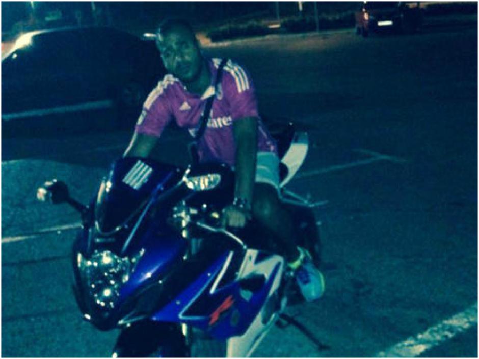 Pasear en motocicleta era otra de sus actividades favoritas.