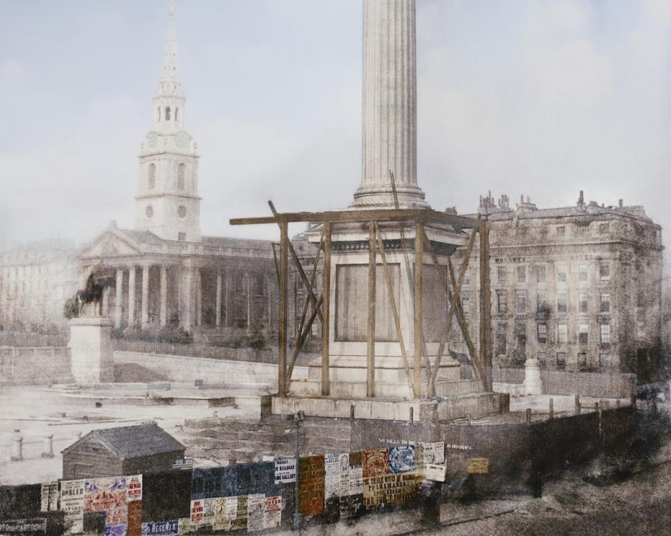 La columna de Nelson en Construcción, Trafalgar Square, Londres. Abril de 1844. (Foto: The Paper Time Machine)