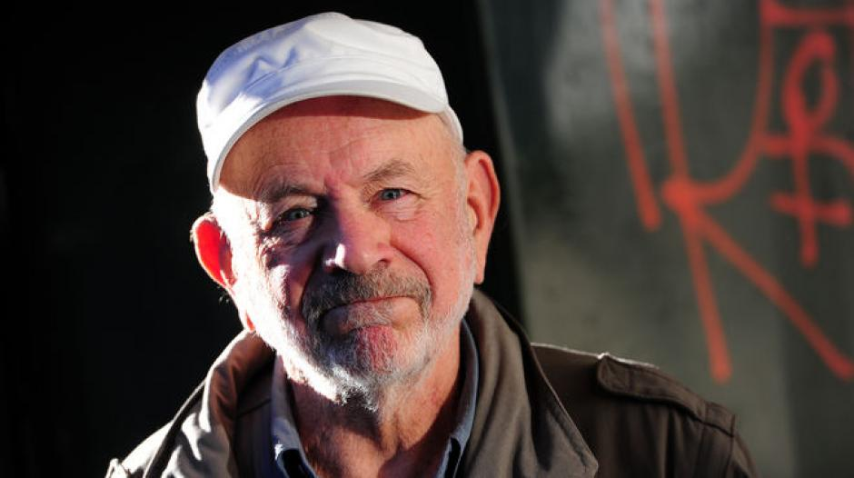 El argentino Norman Briski fue padre de gemelas a los 77 años. (Foto: larazon.com.ar)