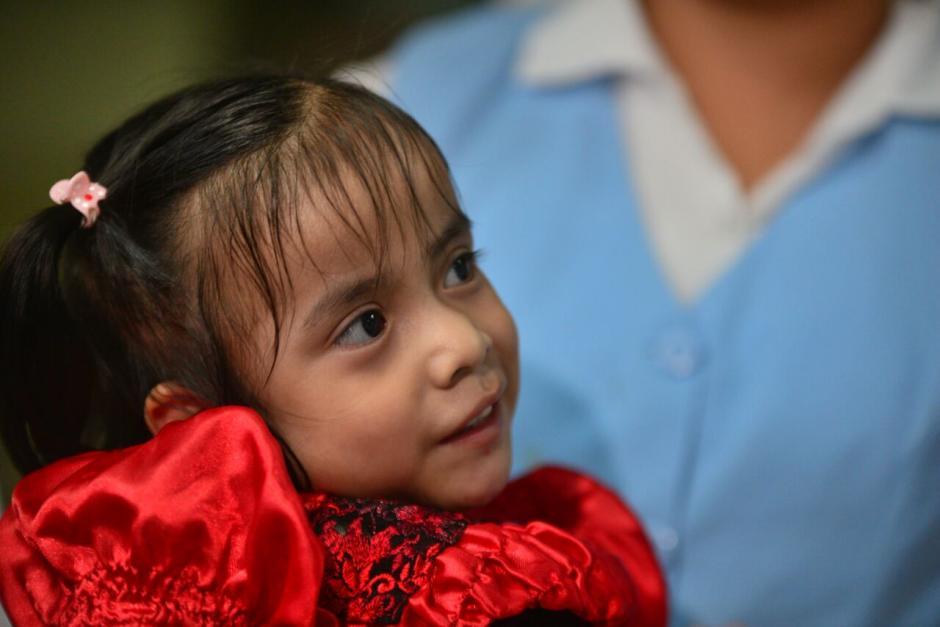Las Rositas sonrieron durante toda la conferencia. (Foto: Wilder López/Soy502)