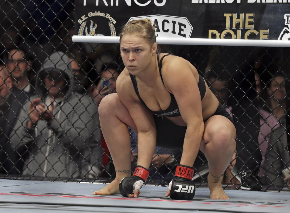 Ronda Rousey suma doce victorias y una derrota como luchadora de la MMA. (Foto: latimes.com)