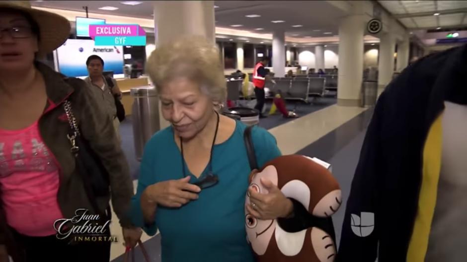 Ella pidió que ya no le siguieran preguntando por respeto a la familia. (Foto: YouTube)