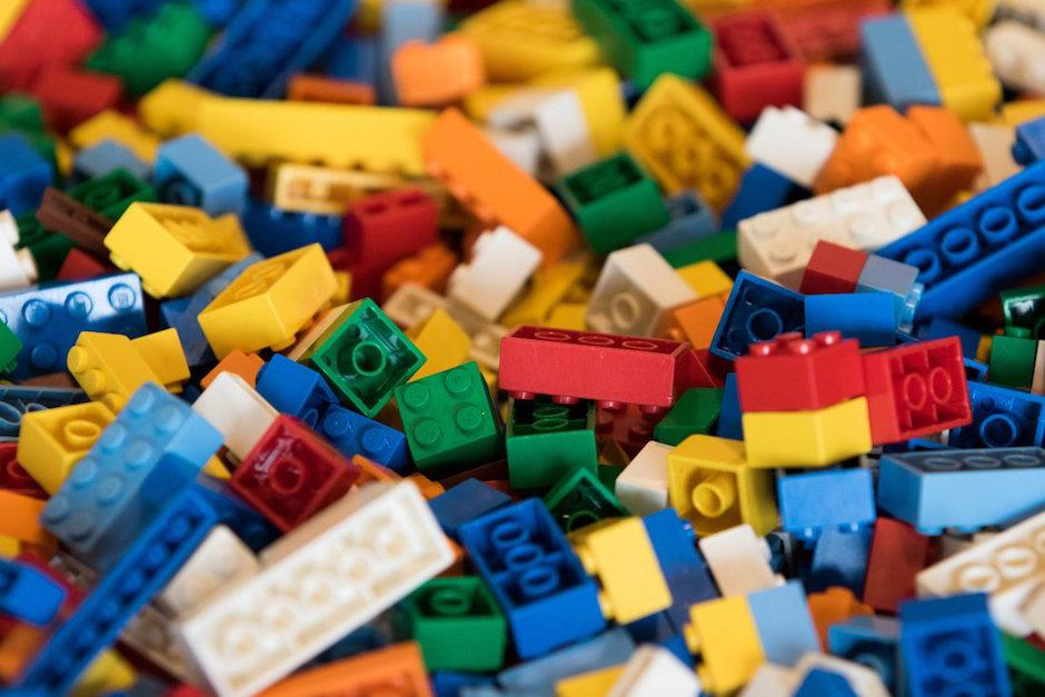 La Universidad de Cambridge busca un profesor de Lego. (Foto: Time)