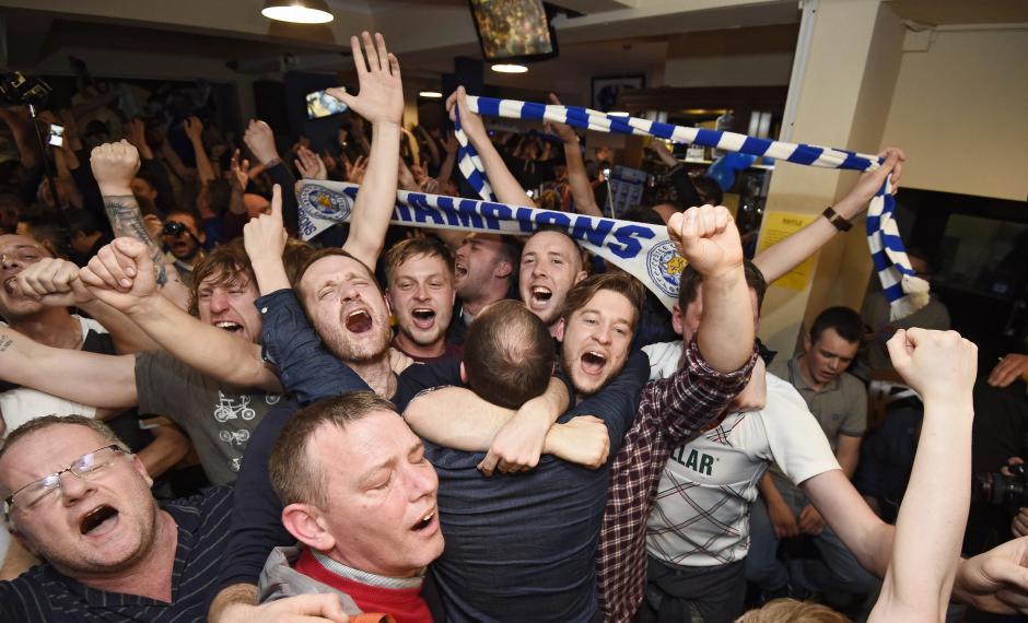 Leicester obtuvo su primer Premier League tras 132 años de haber sido fundado. (Foto: EFE)