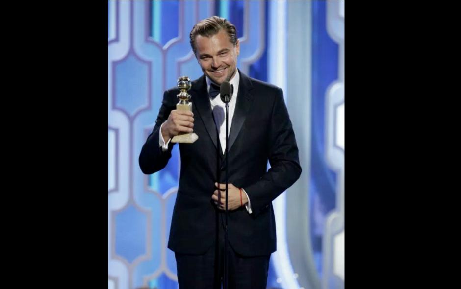 Leonardo Di Caprio recibió el premio a merjo actor. (Foto: Exitoina)