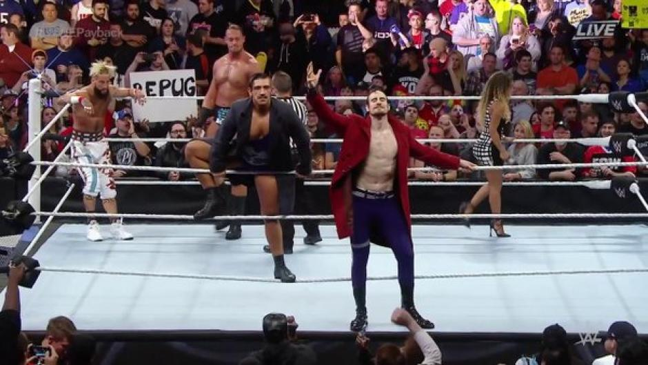 La lucha entre Enzo Amore junto a Big Cass y The  Vaudevillains buscaba un retador al título por parejas. (Foto: Twitter/WWE)