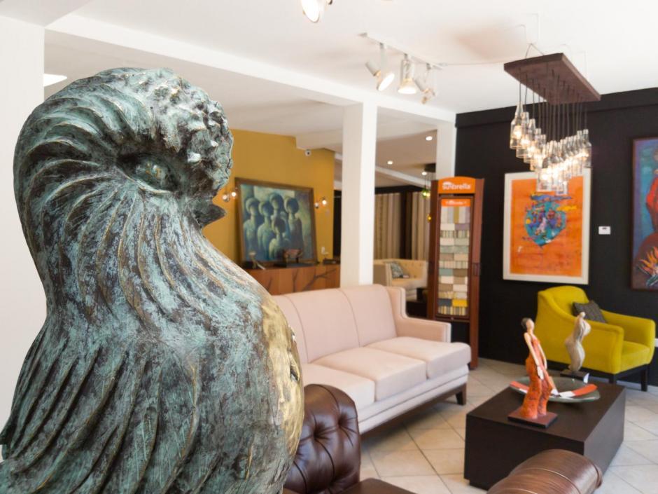 La tienda comparte espacio con Renovo, que vende y renueva muebles. (Foto: Renovo)