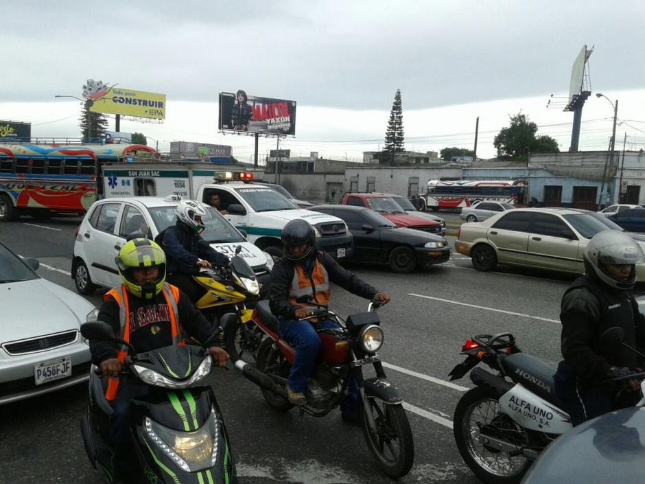 El tránsito lento continúa en el sector según el reporte de Dalia Santos, portavoz del departamento de tránsito de la PNC. (Foto: @SantosDalia)