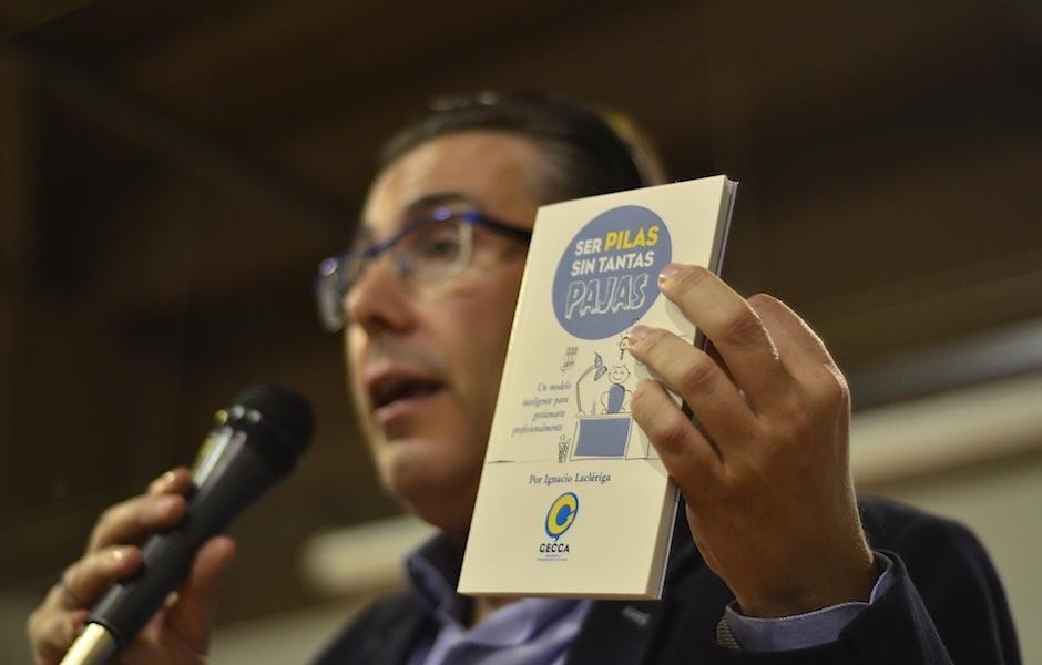 El comunicador y periodista español Ignacio Laclériga, lanza un libro. (Foto: Selene Mejía/Soy502)