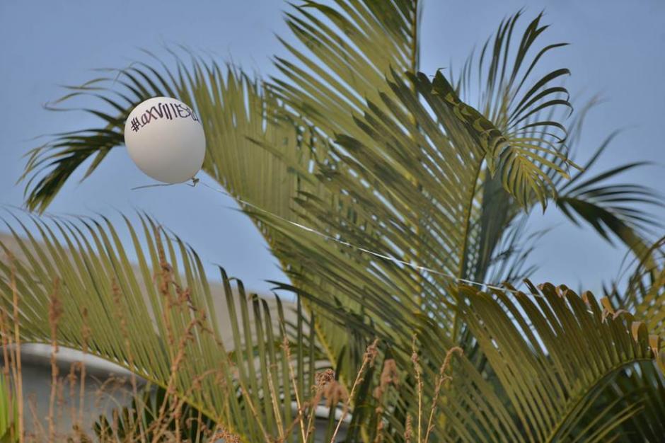 Los globos tenían mensajes para Alexander Aldana. (Foto: Wilder López/Soy502)