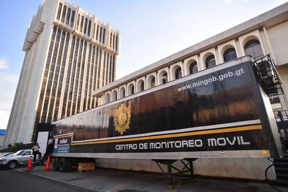 La Unidad del Centro de Monitero Móvel de la PNC mantiene vigilancia en el lugar. (Foto: Wilder López/Soy502)