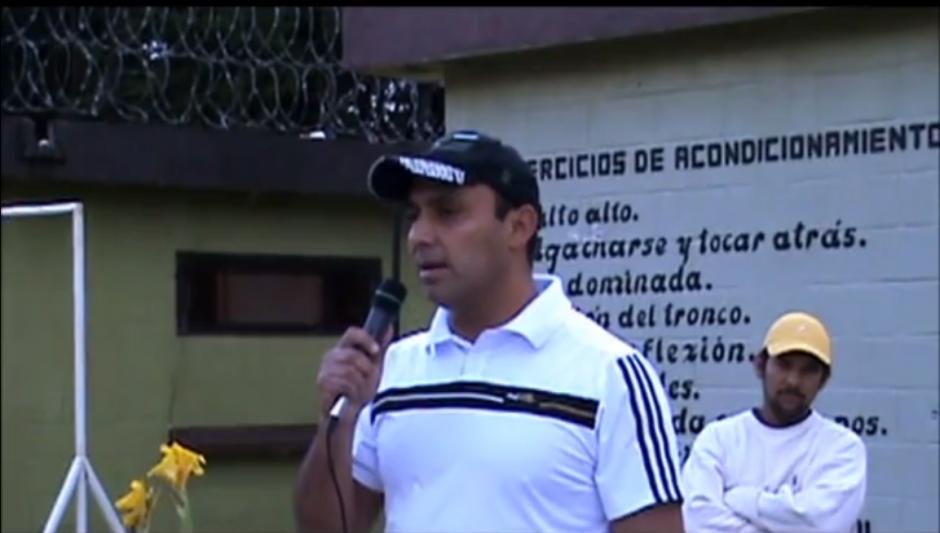 Lima Oliva durante una actividad organizada en un centro de detención. (Imagen: Captura de pantalla)