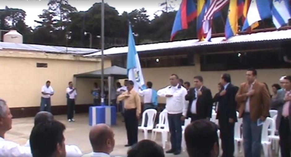 Según la página en Facebook de Lima Oliva, entonaban todos los días el Himno Nacional en Pavón. (Imagen: Captura de pantalla)