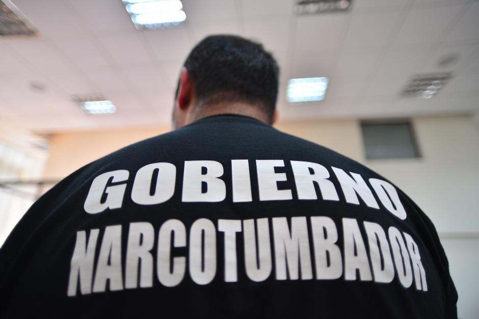 Lima sorprendió con esta playera en una de las audiencias. (Foto: Archivo/Soy502)