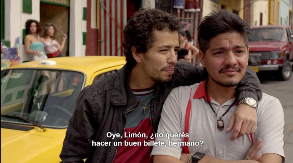 """Limón era trabajador de """"Osito"""", hermano mayor de Pablo escobar, trabajó como chofer por 20 años, no era un desconocido. (Foto: Netflix)"""