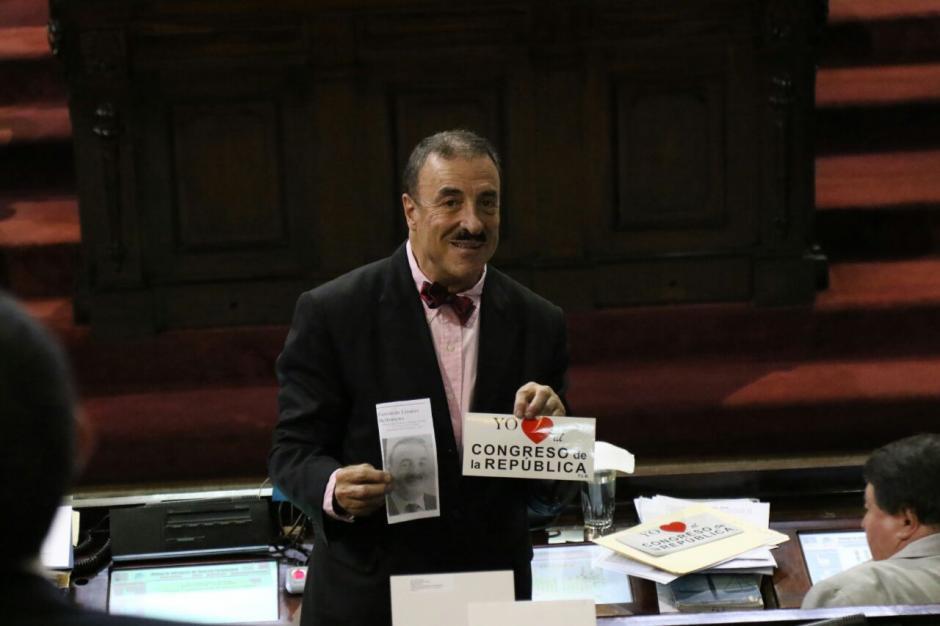 Fernando Linares Beltranena fue el único que hizo una campaña abierta en el hemiciclo. (Foto: Archivo/Soy502)