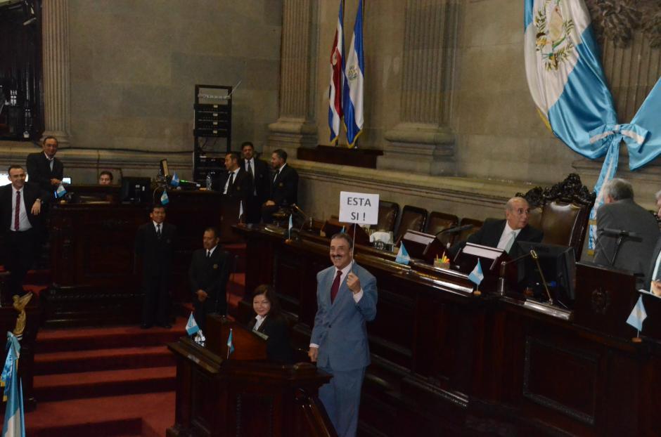 Linares Beltranena pidió apoyo para expulsar a los extranjeros que se involucren en política. (Foto: cortesía José Castro)